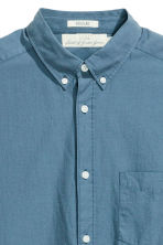 Cotton shirt Regular fit - Pigeon blue - Men | H&M 4