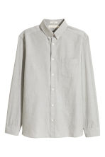 Cotton shirt Regular fit - Light khaki green - Men | H&M 2