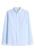 Cotton shirt Regular fit - Light blue/Striped - Men | H&M CN 2