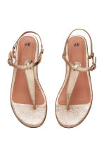 Toe-post sandals - Gold - Ladies | H&M CN 2
