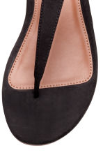 Toe-post sandals - Black - Ladies | H&M CN 3