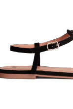 Toe-post sandals - Black - Ladies | H&M CN 4