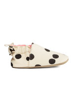 Soft slippers - White/Spotted -  | H&M 1