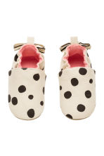 Soft slippers - White/Spotted -  | H&M 2