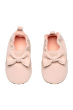 Soft slippers - Powder pink - Kids | H&M 1