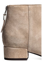 Suede ankle boots - Light beige - Ladies | H&M 4