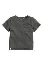 T-Shirt aus geflammtem Jersey - Nearly Black - KINDER | H&M CH 2