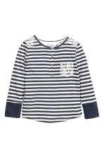 Long-sleeved Henley shirt - Dark blue/Striped - Kids | H&M CN 2