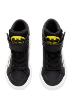 Hi-top trainers - Black/Batman - Kids | H&M CN 2