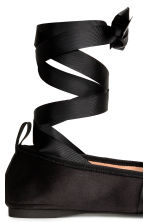 Ballet pumps with lacing - Black - Ladies | H&M 3