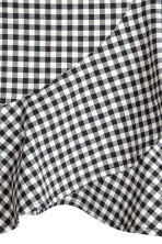 Wrapover skirt - Black/White/Checked - Ladies | H&M 3