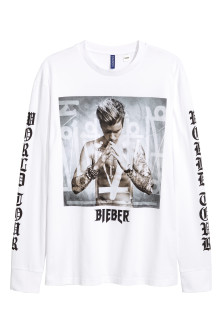 Long-sleeved printed T-shirt