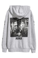Printed hooded top - Grey/Justin Bieber - Men | H&M 2