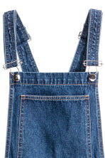 Denim dungaree dress - Dark denim blue - Ladies | H&M 4