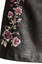 Embroidered skirt - Black/Roses - Ladies | H&M GB 3
