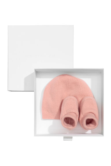 Cashmere-blend hat and bootees - Powder pink - Kids | H&M CN 1