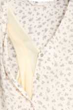 MAMA Nursing blouse - Natural white/Floral - Ladies | H&M 4