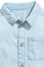 Washed denim shirt - Light denim blue - Kids | H&M CN 2