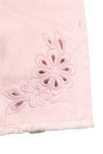 Embroidered twill shorts - Light pink - Kids | H&M 5