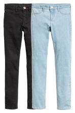 2-pack Skinny Fit Jeans - Light denim blue/Black - Kids | H&M 2