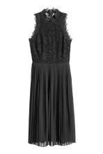 Pleated lace dress - Black - Ladies | H&M 2