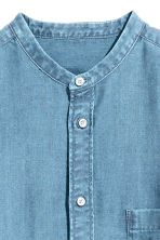 Grandad shirt Regular fit - Light denim blue - Men | H&M 3