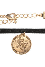 Choker with a pendant - Black - Ladies | H&M CA 2