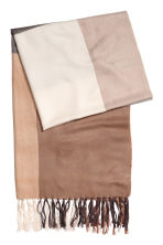 Block-coloured shawl - Beige/Checked - Ladies | H&M 2
