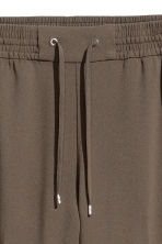 Pull-on trousers - Dark Khaki - Ladies | H&M 3