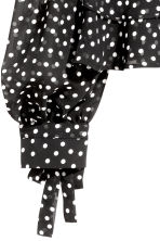 Frilled blouse - Black/Spotted - Ladies | H&M GB 3