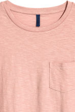 T-shirt with a chest pocket - Dusky pink -  | H&M 3
