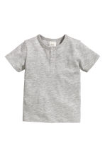 Short-sleeved Henley shirt - Grey - Kids | H&M 1