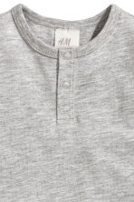 Short-sleeved Henley shirt - Grey - Kids | H&M 2