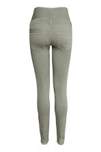 MAMA Superstretch trousers - Light khaki green - Ladies | H&M CN 3