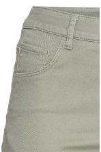 H&M+ Twill shorts - Light khaki green - Ladies | H&M 3