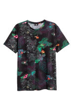 T-shirt - Black/Patterned - Men | H&M CN 2