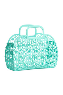 Hole-patterned plastic tote