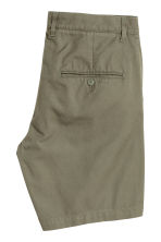 Chino shorts - Khaki green - Men | H&M 3