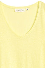V-neck linen top - Light yellow - Ladies | H&M 3