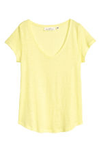V-neck linen top - Light yellow - Ladies | H&M 2