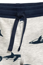 Sweatshirt shorts - Light grey/Sharks -  | H&M 2