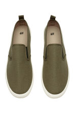Slip-on trainers - Khaki green - Men | H&M CN 2