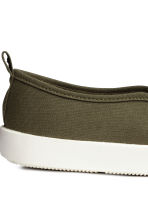 Slip-on trainers - Khaki green - Men | H&M 4