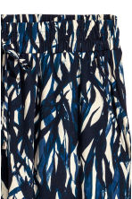 Crinkled skirt - Natural white/Blue/Patterned - Ladies | H&M CN 3