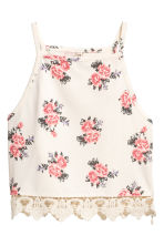 Crop top with a lace trim - Natural white/Floral - Ladies | H&M 2