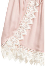 Shorts with lace details - Powder pink - Ladies | H&M 3