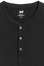 Short-sleeved Henley shirt - Black - Men | H&M 3