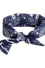 Patterned scarf - Dark blue - Ladies | H&M CN 3