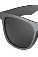 Sunglasses - Grey - Men | H&M CN 3
