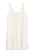 Dress with scalloped edges - Natural white - Ladies | H&M 2